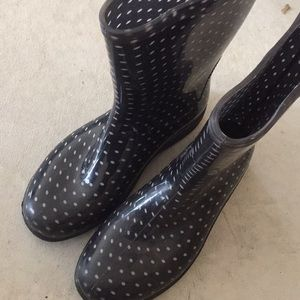 Shoes - Black polka dot rain boots
